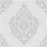 Vliesové tapety IMPOL Carat 2 zámocký vzor strieborno-biely na bielom podklade