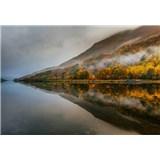 Vliesové fototapety mystické jazero vo Škótsku rozmer 368 x 254 cm