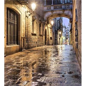 Vliesové fototapety starobylé ulice rozmer 225 cm x 250 cm