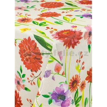 Obrus metráž veľké kvety na krémovom podklade s textilnou štruktúrou