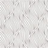 Vliesové tapety IMPOL Carat 2 listy strieborné na krémovom metalickom podklade