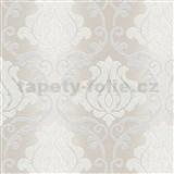 Vinylové tapety na stenu Adelaide ornamenty bielo-strieborné na svetlo hnedom podklade