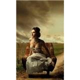 Vliesové fototapety Dievča v kresle rozmer 150 cm x 250 cm