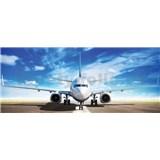 Vliesové fototapety letadlo Boeing na runwayi rozmer 250 cm x 104 cm